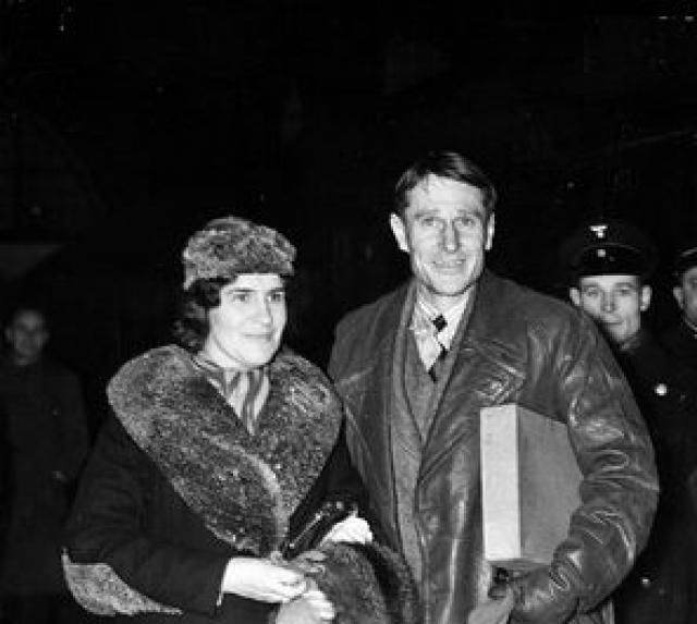 Пилота арестовали и увезли в Москву. Тщательно все проверив, нарушителя границы не стали судить, как Руста, а освободили. Мало того ему разрешили жениться на его возлюбленной и позволили увезти ее в Англию.