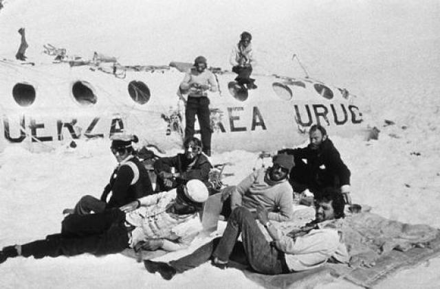 13 октября 1972 года в Андах произошло крушение самолета с командой регбистов на борту . У выживших был минимальный запас пищи, кроме того, у них отсутствовали источники тепла, необходимые для выживания в суровом холодном климате на высоте 3600 метров.