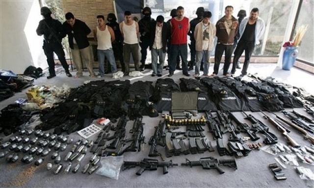 Национальная полиция Колумбии по борьбе с незаконным оборотом наркотиков в последнее десятилетие давала достойный отпор наркокартелям - в течение последних 10 лет в стране ежегодно арестовывали или экстрадировали более 100 наркобаронов.
