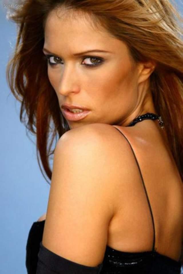Ксения Пайчин 32-летняя сербская певица, танцовщица и фотомодель была застрелена 16 марта 2010 года в собственной квартире своим женихом Филипом Каписодом.