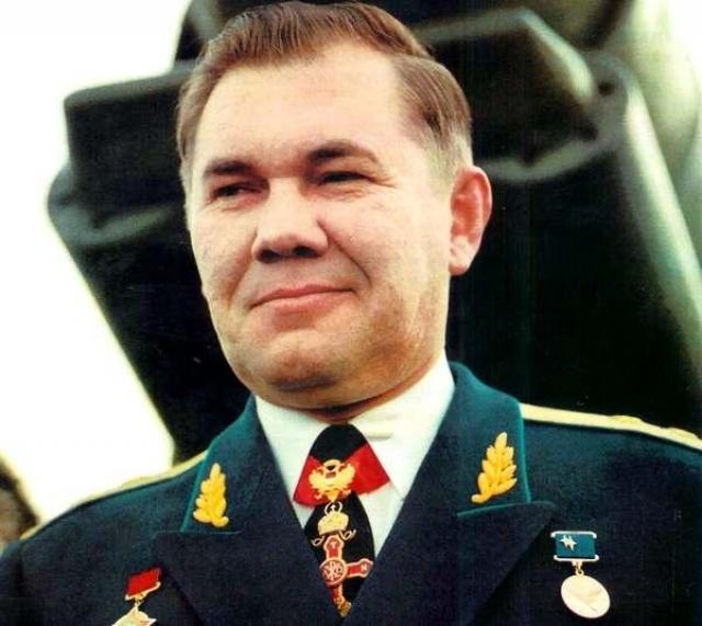 Погиб 28 апреля 2002 года при катастрофе вертолета Ми-8 в районе озера Ойское в Красноярском крае, куда вместе с сотрудниками своей администрации летел на открытие новой горнолыжной трассы.
