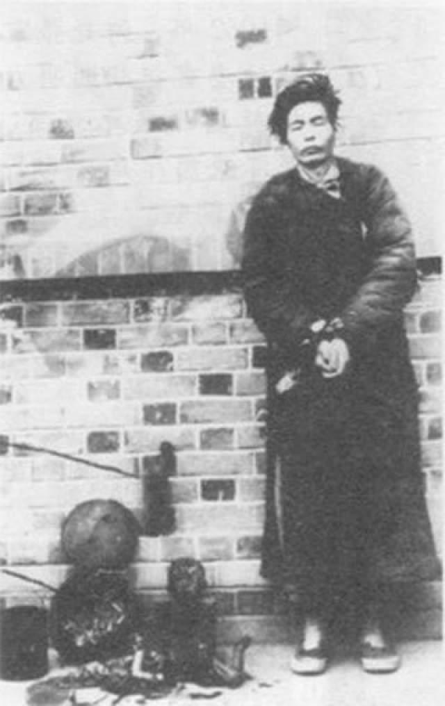 """Мао Цзэдун с подчиненными крал продукты питания и оставлял миллионы крестьян голодать. При этом было запрещено указывать """"голод"""" в качестве причины смерти."""