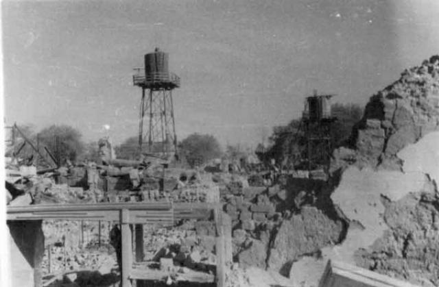 Землетрясение в Ашхабаде СССР. 6 октября 1948 года ночью в 1:14 по местному времени, стихия ударила с силой до 9 балла (сила землетрясения в эпицентре ровнялась 9-10 баллам). Самыми разрушительными оказались первые два толчка 8 и 9 баллов. Ближе к утру было зарегистрировано еще один менее мощный толчок в 7-8 баллов. И еще в течений четырех дней происходили толчки с постепенным затуханием.
