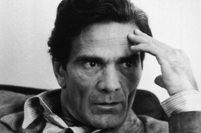 Пьер Паоло Пазолини. Известнейший режиссер был убит 2 ноября 1975 года в Остии близ Рима. Его тело было найдено утром в луже крови.