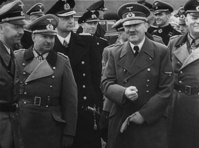 По плану, лучшие британские снайперы должны были застрелить Гитлера во время посещения им горной резиденции Бергхоф в Баварских Альпах.