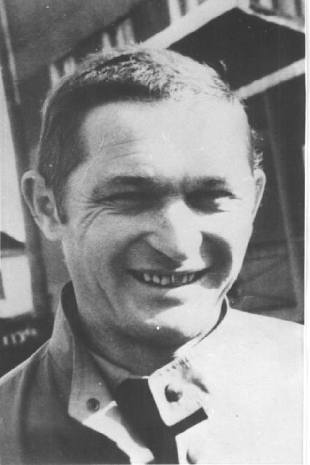Руководство тушением пожара принял на себя майор Телятников Леонид Петрович, который получил очень высокую дозу облучения и выжил только благодаря операции на костном мозге в Англии в том же году.