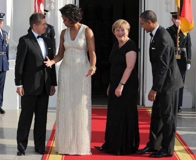 """Еще одна жертва """"подозрений"""" - супруга американского президента Мишель Обама ."""