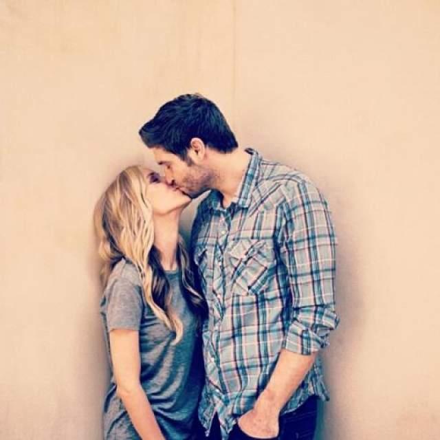 Кристин Каваллари и Джей Катлер С 7 июня 2013 года Кристин замужем за футболистом Джеем Катлером, с которым она встречалась 2 года до свадьбы. У супругов есть трое детей.
