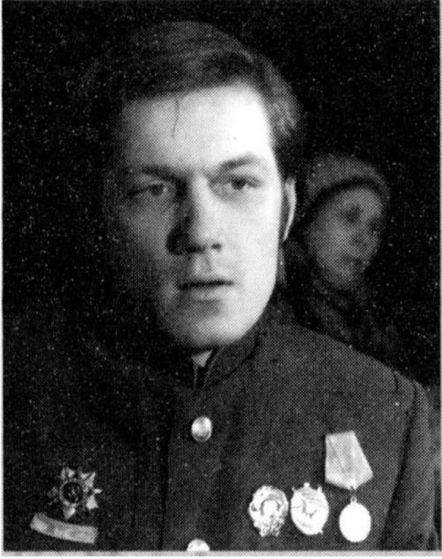 Также Шарапова видели в Юрии Шлыкове.