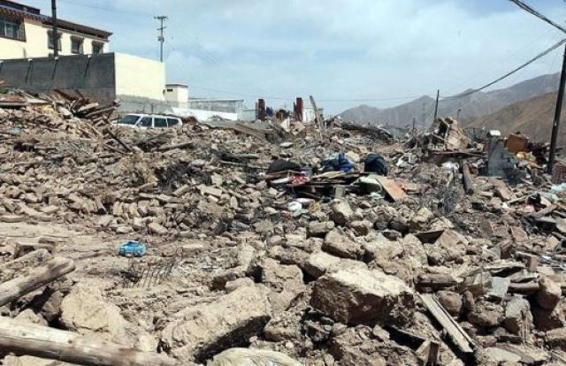 Землетрясение в Баме. 26 декабря 2003 года древний город Бам (провинция Керман, Иран) пережил разрушительное землетрясение (6,3 баллов), в котором погибли около 35 тысяч человек (хотя Министр здравоохранения Ирана сообщил о 70 тысячах жертв) и получили травмы более 22 тысяч (из 200 тысяч населения).