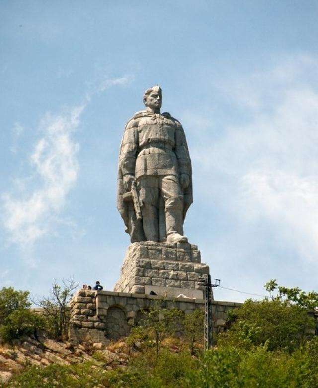"""Памятник Советскому воину-освободителю в Пловдиве (Болгария) больше известен в народе как """"Алеша"""" ."""