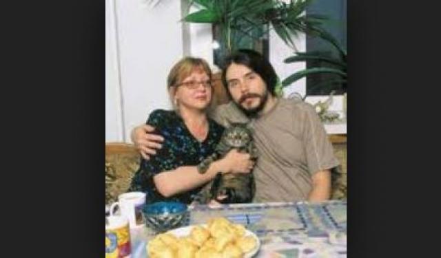 """Дмитрий Ревякин. Музыкант - вдовец. В апреле 2009 года издан альбом """"Сердце"""", посвященный памяти супруги - Ольги."""