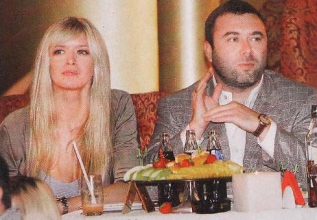 В октябре 2012 года Вера сообщила о разводе с мужем.