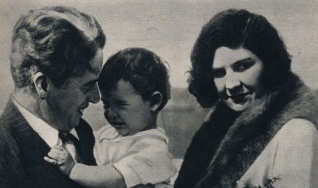"""Биограф Чаплина Джойс Милтон писала, что отношения Чаплина и Литы Грей стали основой романа Набокова """"Лолита""""."""