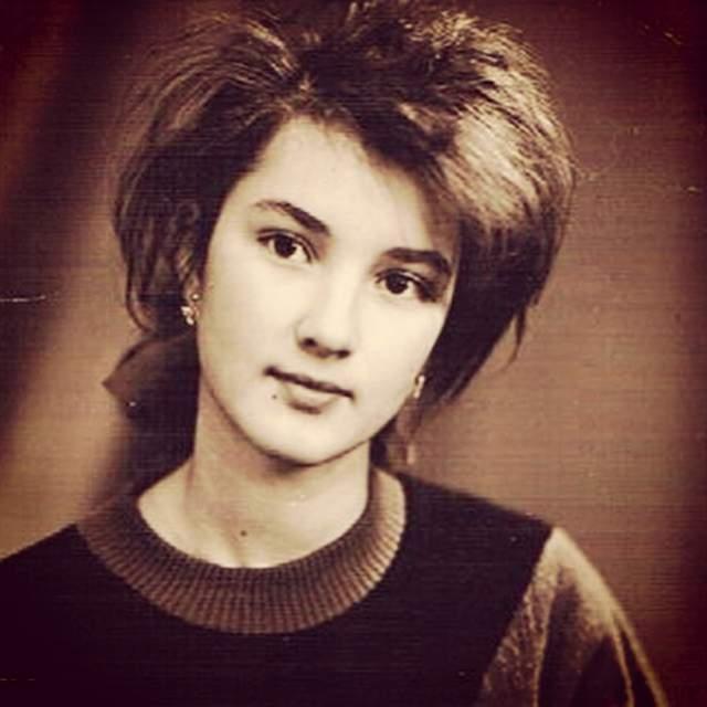 Лера Кудрявцева, 47 лет. В первый раз вышла замуж в 18 лет.