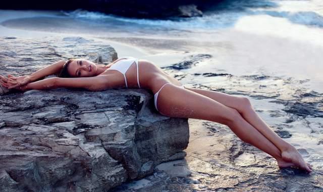 Кэндис Свейнпол 2014 Свою модельную карьеру Кэндис начала в возрасте 15 лет. В январе 2018 года Свейнпол была названа самой дорогой бикини-моделью в Инстаграм. За один рекламный пост девушка зарабатывает около 50 тысяч фунтов стерлингов.