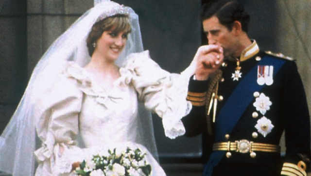 Дочь графа Спенсера и наследный принц познакомились на крупном благотворительном мероприятии и поженились 29 июля 1981 года в соборе Святого Павла.