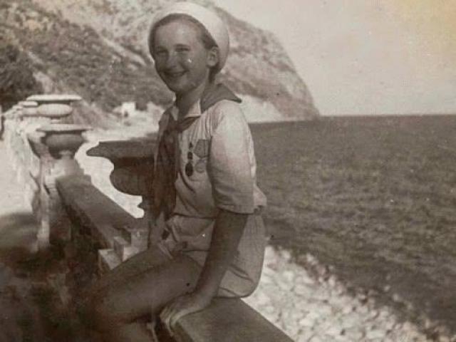 В первой половине августа 1942 г. Люся вместе с Еленой Константиновной Алексеевой под видом матери и дочери впервые были заброшены в тыл врага.