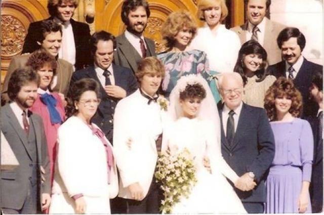 Мари Осмонд. Американская актриса и певица вышла замуж за Стива Крейга в 1982 году. Однако, через три года они разошлись.