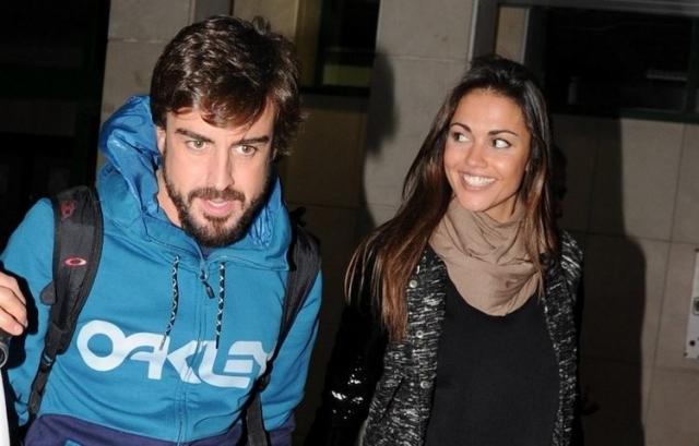 В феврале 2016 года они объявили о разрыве своей помолвки, причиной стала нехватка времени у обоих.