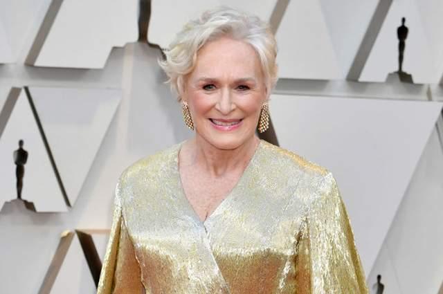 """Гленн Клоуз в Carolina Herrera. Модные критики отметили, что актриса была одета """"как сам """"Оскар"""", но ни в коем случае не упрекнули ее за это."""