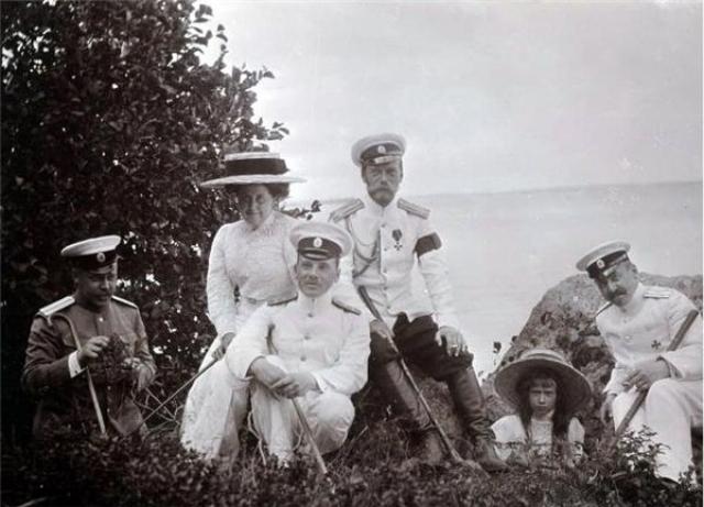 Любимым местом Романовых был Крым, где осенью и весной царская семья часто жила, а когда становилось жарко, уезжали в Финляндию.