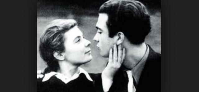 Владимир Сошальский. Официально актер был женат целых 7 раз. Впервые актер женился совсем в юном возрасте на актрисе Ольге Аросевой. Брак этот продлился около года.
