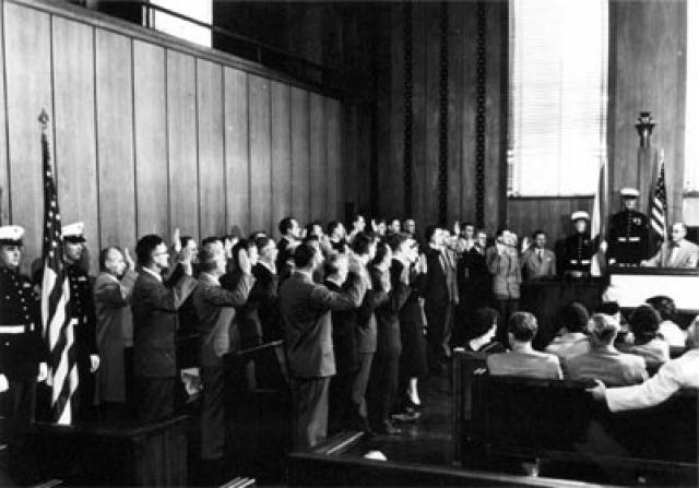В сентябре 1945 года первая группа из семи ученых ракетчиков прибыла в Форт Стронг (Бостонская бухта): Вернер фон Браун, Эрих В.Нойберт, Теодор А.Поппель, Аугуст Шульце, Эберхард Реес, Вильгельм Юнгерт и Вальтер Швидецки.