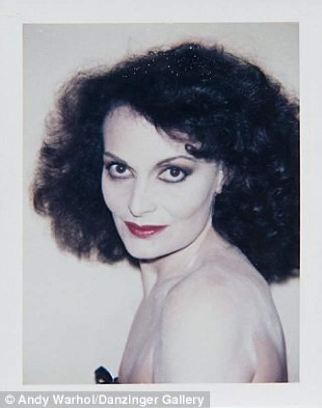 Диана фон Фюрстенберг, французский и американский модельер. Сейчас Диане 72 года.