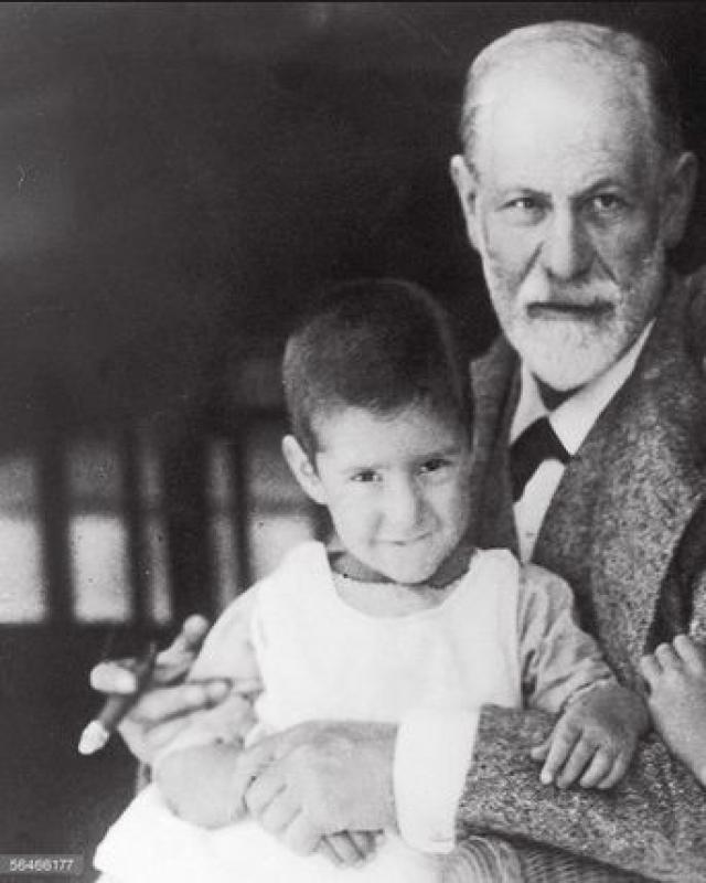 А ее маленький сын Хайнц скончался через три года от туберкулеза.