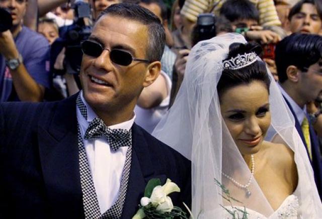 Однако в июне 1999 года Португез вновь стала миссис Ван Дамм. На этот раз, актер решил венчаться в небольшом бельгийском городке.