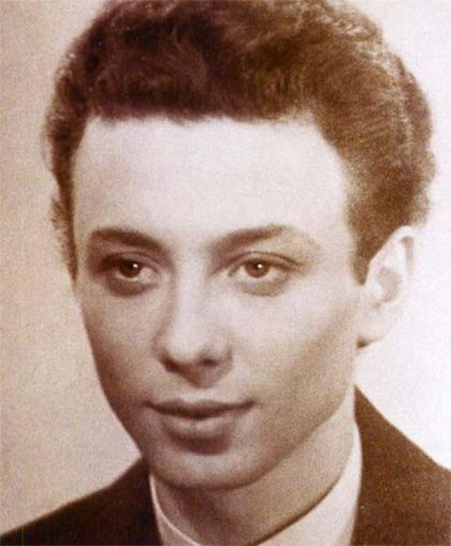 Существует версия, что Олег Даль - правнук в пятом колене Владимира Ивановича Даля по побочной линии.