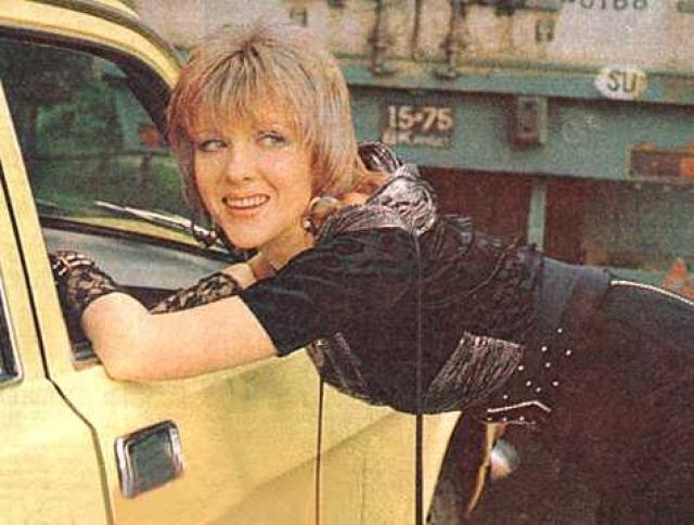 """В 1989 году журнал """"Советский экран"""" назвал Яковлеву лучшей актрисой года - именно за роль проститутки Таньки."""