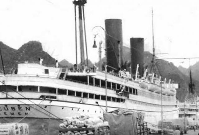 """Пароход """"Генерал Штойбен"""" водоизмещением 13.325 тонн, построенный на северогерманской верфи """"Ллойд"""", был одним из старейших пассажирских кораблей и имел достаточно интересную предвоенную судьбу."""