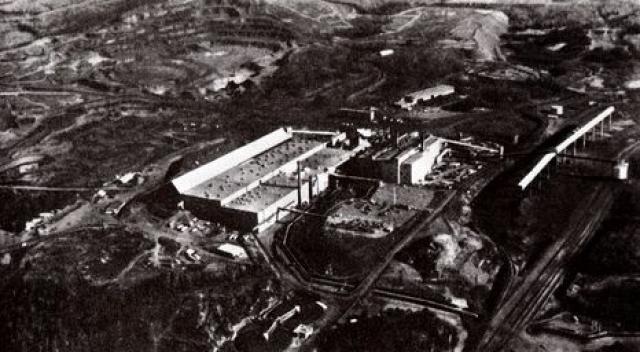 В 1946 году Бюро шахт Соединенных Штатов трудоустроило семерых германских ученых в области разработки синтетического топлива на химическом заводе Fischer-Tropsch в городе Луизиана в штате Миссури.