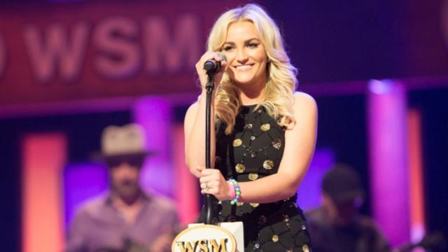 """7 ноября 2011 года состоялся дебютный концерт Джейми Линн в городе Нашвилл, на котором она исполнила собственные песни в стиле кантри, а через два года вышел дебютный сингл певицы """"How Could I Want More""""."""
