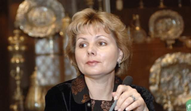 Елена родилась в 1959 году. Она генеральный директор Музеев Московского Кремля.