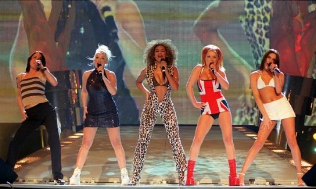 Два года Spice Girls готовились к завоеванию мира – занимались вокалом, разучивали танцы и подбирали репертуар.