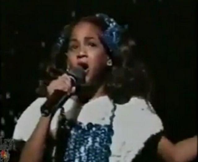 Девочка стала увереннее в себе, стала участвовать в конкурсах талантов и за год победила аж в трех десятках подобных соревнований.