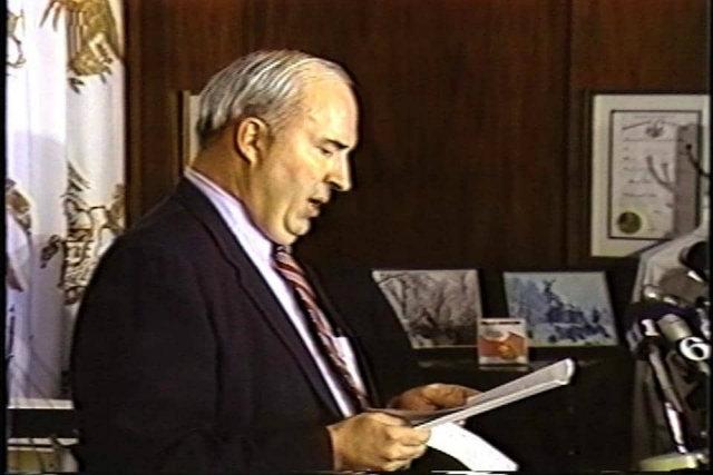 """Утром 22 января 1987 года, за день до вынесения ему приговора, Дуайер созвал пресс-конференцию, чтобы """"сообщить свежую информацию о положении дел""""."""