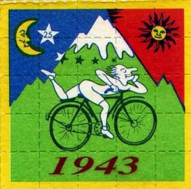 """В 1943 Хофманн намеренно принял 250 микрограмм ЛСД и этот опыт стал известен, как """"День велосипеда"""". По дороге домой на велосипеде он в полной мере ощутил эффект ЛСД, испытав яркие и незабываемые галлюцинации."""