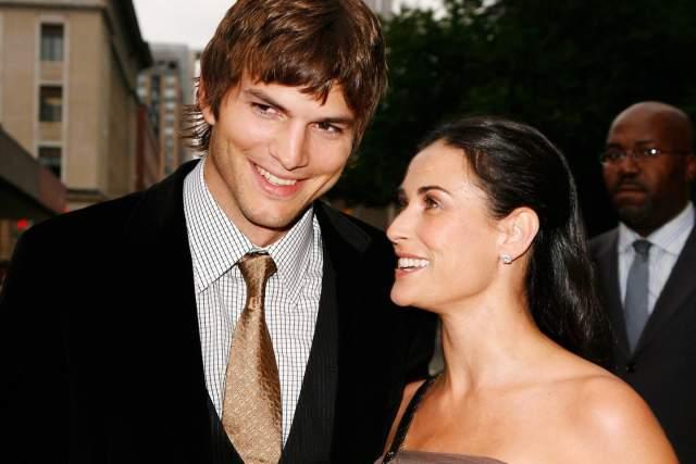 С актером Эштоном Кутчером, который был младше ее на 15 лет, они были женаты с 2005 по 2013 годы.