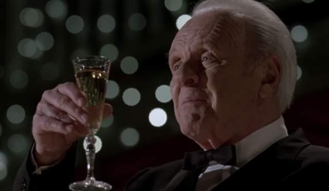 Именно тогда актер понял, что его привычка стала проблемой, поэтому он решил присоединиться к обществу анонимных алкоголиков. С этого момента он еще ни разу не возвращался к прошлому.