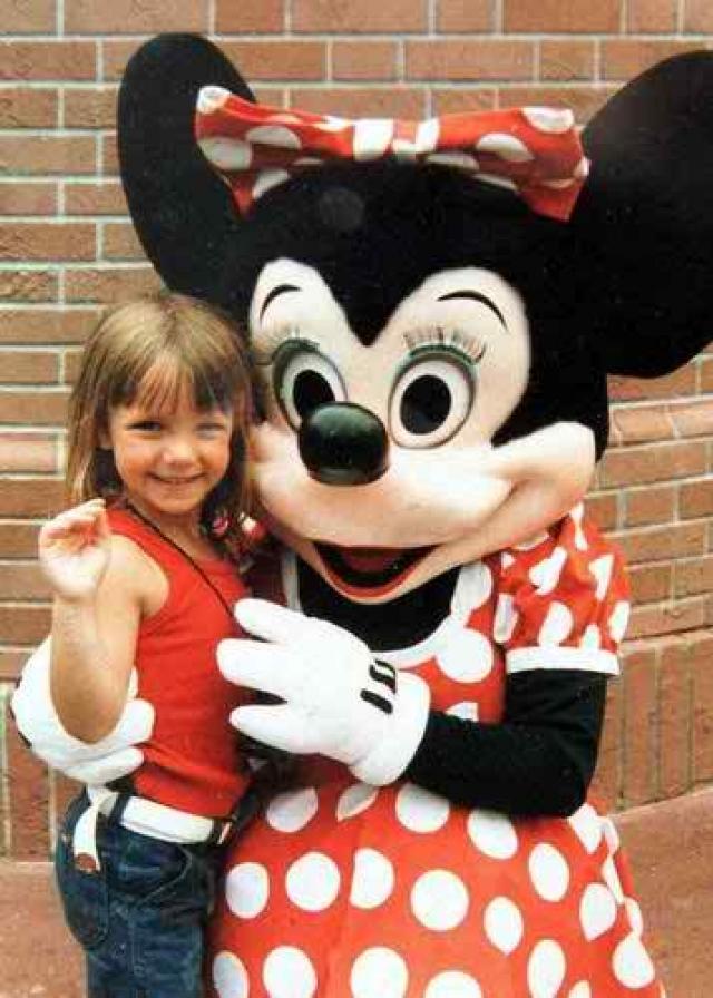 Мать будущей поп-звезды Линн Спирс назвала дочку Бриттани в честь Великобритании, откуда были родом ее родители. Но произносили имя девочки по-луизиански - Бритни.