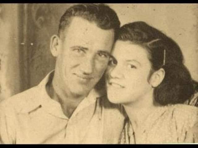 Их обоих приговорили к смерти, но позже Фей изменили меру наказания до пожизненного. Фей прожила до 2003 года, Рея казнили в 1993-м.