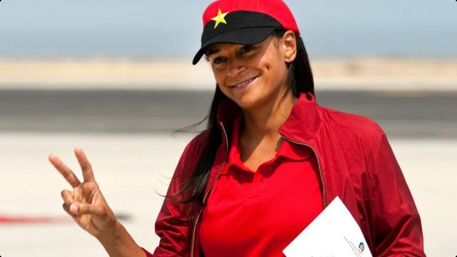 Жозе Эдуарду душ Сантуш. Старшая дочь президента Анголы Изабель - самая богатая и коррумпированная женщина Африки. Она возглавляет государственную нефтяную компанию Sonangol, а ее собственный капитал составляет более $3,5 млрд.