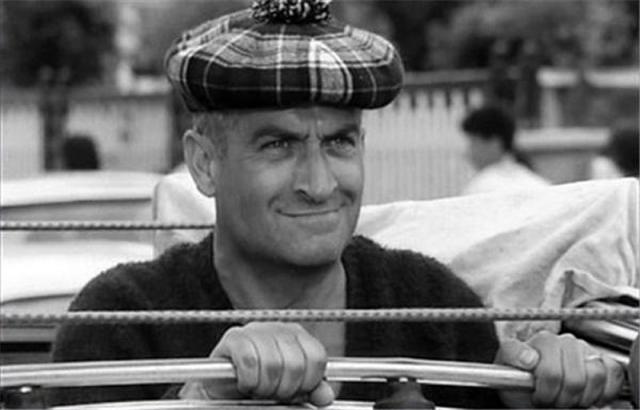 После выхода фильма на широкий экран за границей главного персонажа прозвали Дональдом Даком.