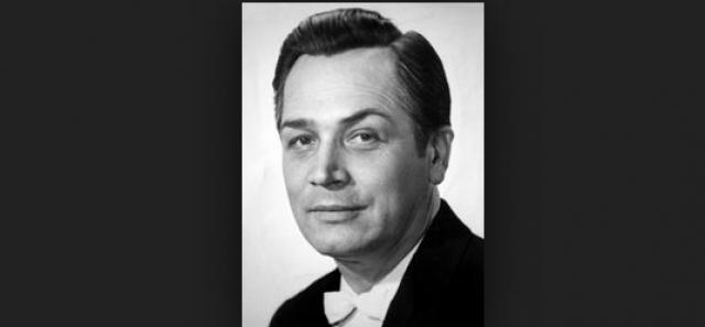 Он скончался 4 июля 1977 года в возрасте 51 года.