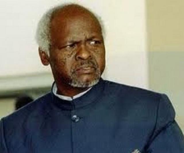 Канаан Банана. Бывшему президенту Зимбабве, занимавшему на момент скандала один из дипломатических постов в Организации африканского единства, было выдвинуто обвинение в изнасиловании своих подчиненных-мужчин в 1997 году.