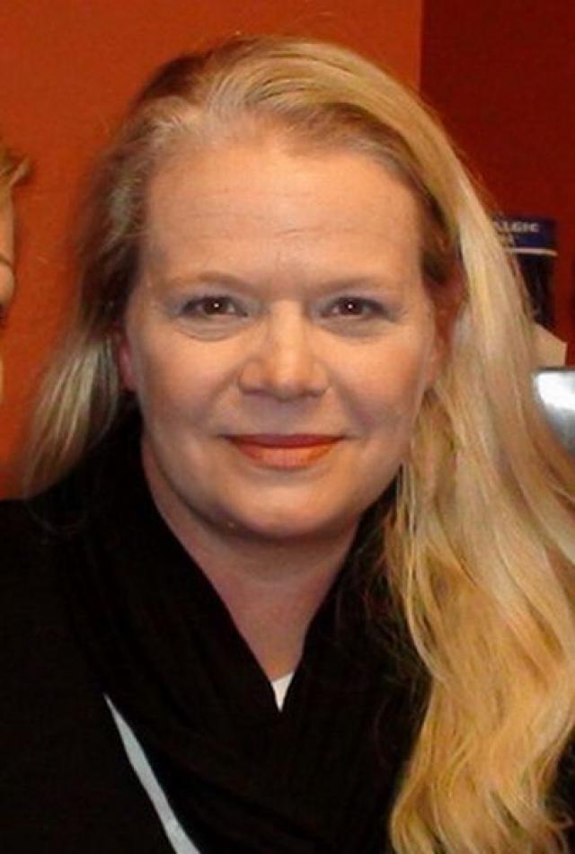 После ухода на пенсию стала христианским пастором в маленьком городке в Оклахоме. Сейчас 53-летняя Мэрси Уолкер не помышляет о возвращении в мир кино и мыльных опер.